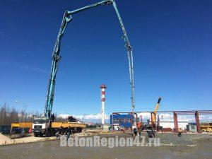 Подача бетона через АБН-52 м